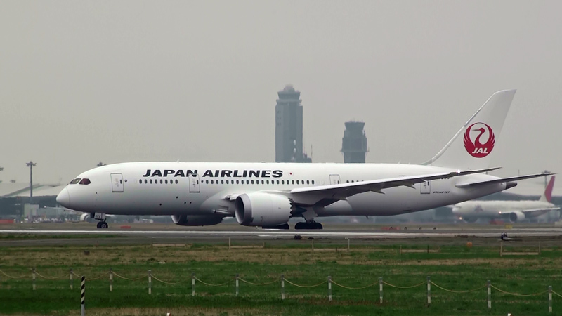 JAL-787-20120422-2
